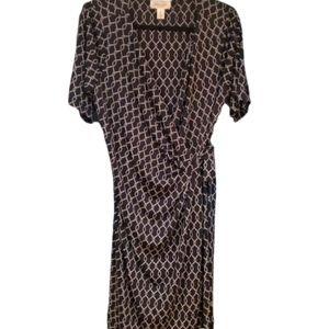 Sophisticated maternity wrap maternity dress